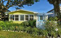 2 BR 2 bath boat dock tropical garden 5 min walk to Siesta Key Beach
