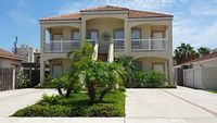 Relax in this spacious clean and bright 2-bed 2-bath unit