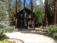 Comfy relaxing extra large home centrally located in the heart of Big Bear