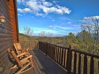 Amazing Views 5 miles from Dollywood Parkway 4 bedroom plus game room