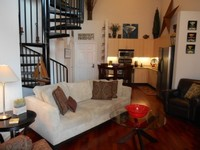 Downtown Gaslamp Petco Convention Center- Luxury 1 BR+Loft w Deck