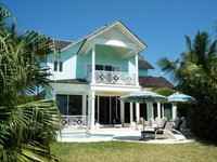 5 Gorgeous Family Home + Panoramic Waters Edge Sunset Views + Pool + Dock