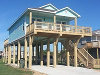OCEAN VIEWS 1 000sf of 2 BIG DECKS