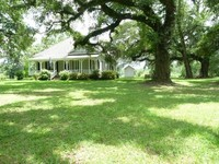 1870 s Home on Amazing Southern Setting Private Quiet Relaxing