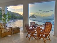 UNDAMAGED 6 Bedroom Beachfront Villa Pool Steps To T