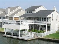 Home on Galveston Bay in Pirates Cove
