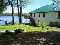 Waterfront Boathouse With 3 Bedroom s 1 Bathroom s Deck Sleeps 8