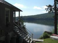 Argent lac chalet au bord du lac dans les Adirondacks