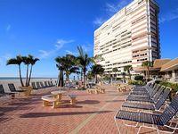 1060 sq ft one bedroom 1 5 bath condo on a beautiful beach
