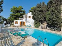 Villa in Boikatika Paxos Greece - Split level villa with pool in extensive private gardens 1 double and 2 twin bedroom