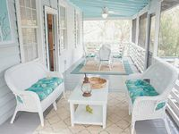 Updated Folly cottage 1block to beach late summer availability