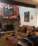 Rustic luxury 2 bed 2 bath Townhome Closest lodging to snow summit