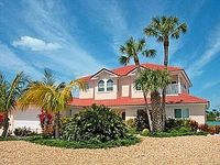 Villa in Anna Maria Island Florida Gulf of Mexico USA - Peaceful Location 15 Minute Walk To The Stunning White Sand Beaches