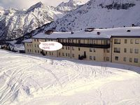 Passo Del Tonale Nice apartment in Tonale with direct access to the sky slopes