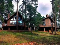 Luxury Cabin 4 BR 3 BA 25 Sleeps Priv Volleyball Court with Mountain Views
