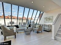 Modern Light-Filled 2 Bed 2 Bath In The Heart Of Georgetown