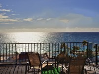 Near Port Lucaya 2 Attached Top Floor Studios w 2 Bed Oceanfront Bahama Views