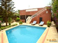 Ngaparou House with pool