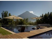 Private pool Jacuzzi Volcanoes Oh did we me mention Golf Up to 24 guest