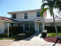 Villa in Anna Maria Island Florida - Peaceful Location 10 minutes Walk To The Beach Free Trolley Stop At End Of The Road