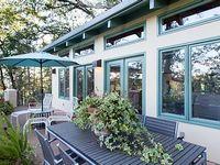 1 bedroom 1 bath sleeps 4 wrap around balcony with sweeping vineyard views