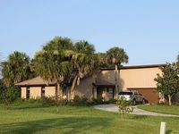 Close to Orlando manatees and directly on golf course - With membership