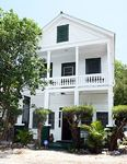 Duval Street a Stone Throw Away-Pet Friendly