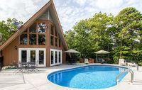 Cozy Gatlinburg House w Pool Smokey Mtn Views