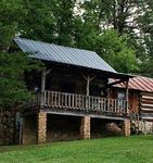 The Robinette at Pioneer Meadow Cabins - Antique Log Cabin