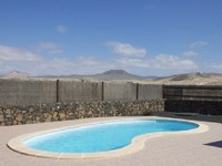 The Morritos villa is located in a plot of land of 1000m it s a modern and practical construction of 160m and one floor On the outside there is an enormous garden with a private pool of 8x4m avec a large terrace-porch with a barbecue and a sink to enjoy a good lunch or a nice dinner