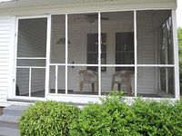A Deluxe newly renovated 2 Bedroom 1 Bath Cottage
