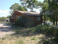2 bedroom 1 bathroom with snow capped mountain views on the Shoshone River
