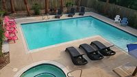 2 Bedroom 2 Bathroom Centrally Located Close To Everything - Swimming pool