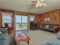 Klitzke House - 7 Nts for the price of 5 in July Pet Friendly Gulf Front Beach House