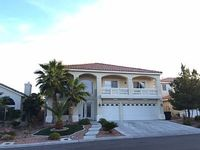 Luxury Home 5-Bedroom 3-Bathroom Solar Heated Pool Mins away from the strip