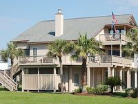 Spacious beautiful beach house with extensive living space and amenities