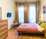 3-Bedroom 8 Person Bright Cozy Apartment on Nevsky