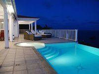 Villa Henson 1 or 2 Bedrooms Spectacular views Infinity Pool 5 pers Spa