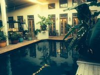Abode Guest House - Main House Seperate Studios Available