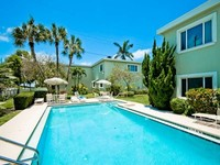 Gulf Beach Apartment - with Pool Beach Access