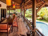 Villa with tropical garden pool 2 floors 6 bd sleep 14