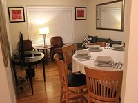 Lovely Capital Hill 2 bdrm apt home -