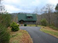 Log Cabin Close to Pigeon Forge Gatlinburg