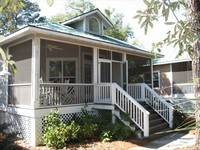 Pristine Peaceful Golf Beach Cottage Waiting for You