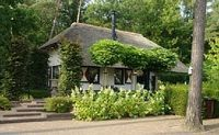 Thatched farmhouse with 3 bedrooms and 2 bathrooms
