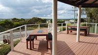 The Blue House - spacious coastal getaway