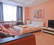 Centrally located 2-bedroom apartment at Smolenskaya metro 103