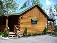A true couple s paradise This cabin is spacious has everything you need for a Romantic Getaway