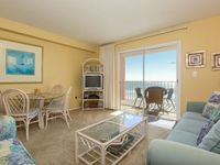 Seacrest 402 -Perfect Location in Gulf Shores Beach Front with 2 Balconies Free Wi-Fi Large Pool and a Short Boardwalk to the White Sandy Beaches