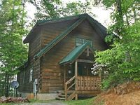 Beautiful cabin with a Pool Table Hot Tub Fireplace and Pet - Friendly